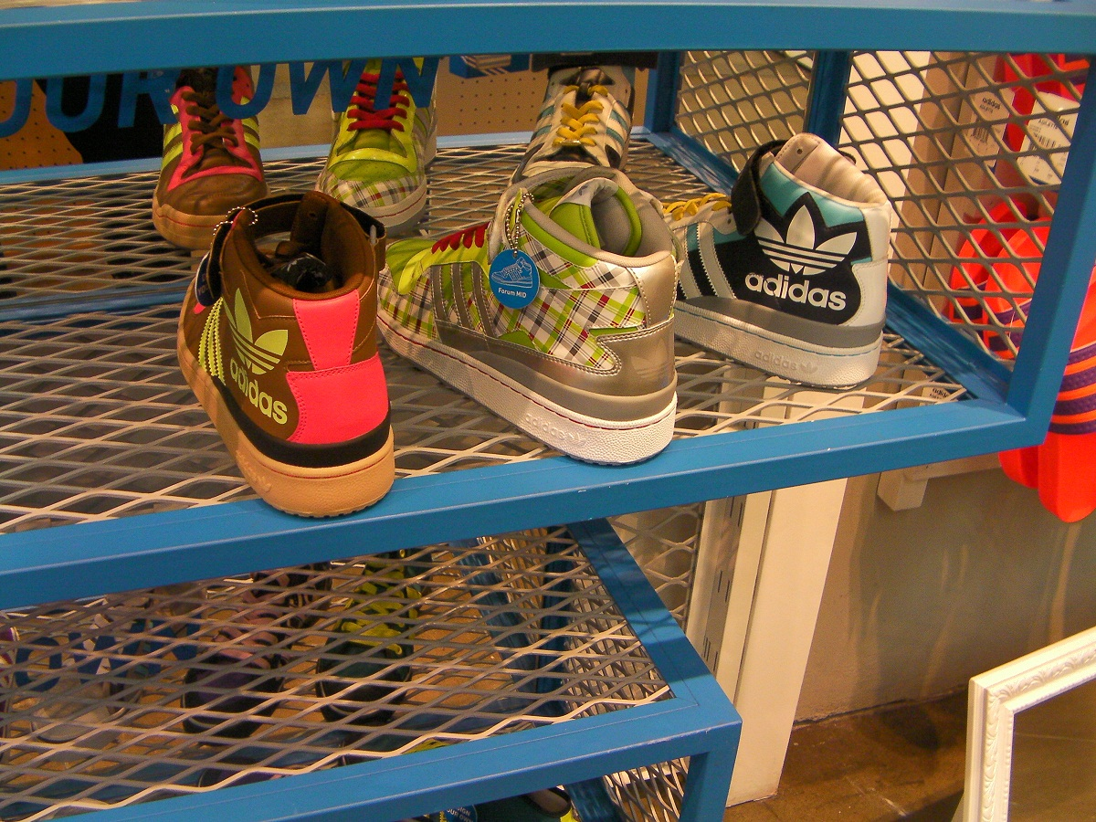 Adidas à Soho: personnalisez vos chaussures | So Particular